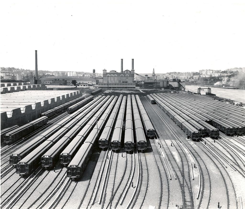(396k, 1024x874)<br><b>Country:</b> United States<br><b>City:</b> New York<br><b>System:</b> New York City Transit<br><b>Location:</b> 207th Street Yard<br><b>Car:</b> R-1 (American Car & Foundry, 1930-1931)  <br><b>Collection of:</b> Ed Watson/Arthur Lonto Collection<br><b>Date:</b> 1932<br><b>Viewed (this week/total):</b> 1 / 1043