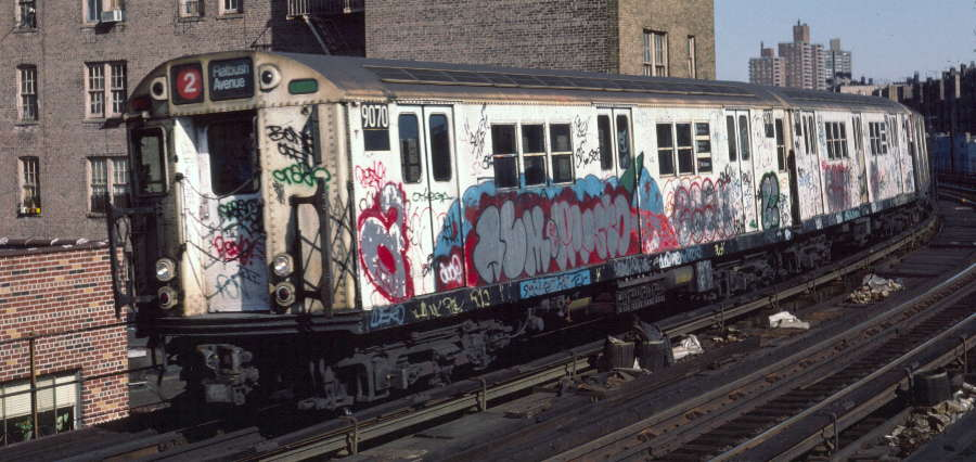 (67k, 900x426)<br><b>Country:</b> United States<br><b>City:</b> New York<br><b>System:</b> New York City Transit<br><b>Line:</b> IRT White Plains Road Line<br><b>Location:</b> Bronx Park East <br><b>Route:</b> 2<br><b>Car:</b> R-33 Main Line (St. Louis, 1962-63) 9070 <br><b>Photo by:</b> Robert Callahan<br><b>Date:</b> 3/9/1985<br><b>Viewed (this week/total):</b> 1 / 1198