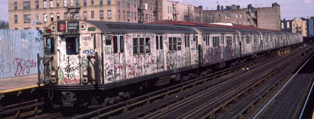 (71k, 1100x417)<br><b>Country:</b> United States<br><b>City:</b> New York<br><b>System:</b> New York City Transit<br><b>Line:</b> IRT White Plains Road Line<br><b>Location:</b> Bronx Park East <br><b>Route:</b> 2<br><b>Car:</b> R-33 Main Line (St. Louis, 1962-63) 9072 <br><b>Photo by:</b> Robert Callahan<br><b>Date:</b> 3/2/1985<br><b>Viewed (this week/total):</b> 0 / 985