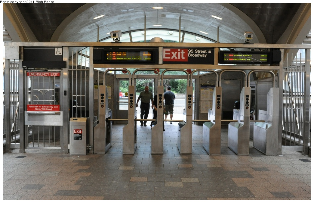 (269k, 1044x674)<br><b>Country:</b> United States<br><b>City:</b> New York<br><b>System:</b> New York City Transit<br><b>Line:</b> IRT West Side Line<br><b>Location:</b> 96th Street <br><b>Photo by:</b> Richard Panse<br><b>Date:</b> 9/11/2011<br><b>Viewed (this week/total):</b> 1 / 1758