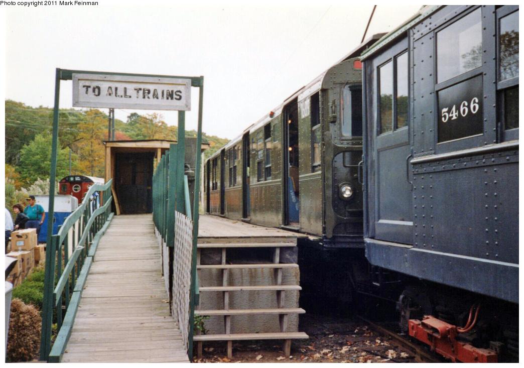 (351k, 1044x733)<br><b>Country:</b> United States<br><b>City:</b> East Haven/Branford, Ct.<br><b>System:</b> Shore Line Trolley Museum <br><b>Car:</b> R-9 (American Car & Foundry, 1940)  1689 <br><b>Photo by:</b> Mark S. Feinman<br><b>Date:</b> 10/8/1994<br><b>Viewed (this week/total):</b> 2 / 586