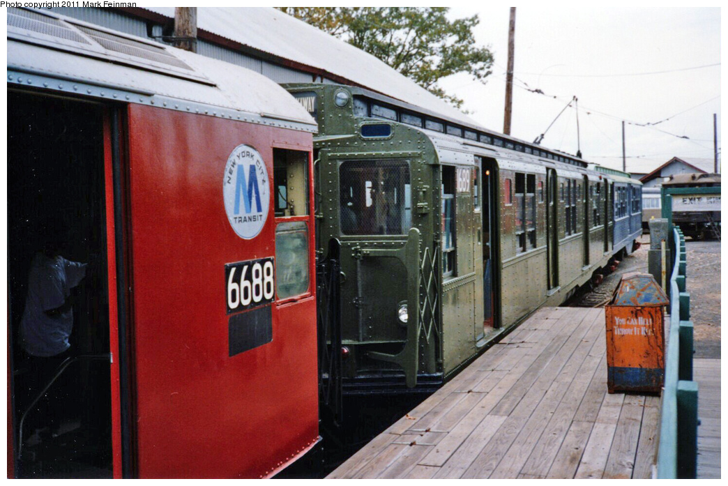 (339k, 1044x697)<br><b>Country:</b> United States<br><b>City:</b> East Haven/Branford, Ct.<br><b>System:</b> Shore Line Trolley Museum <br><b>Car:</b> R-9 (American Car & Foundry, 1940)  1689 <br><b>Photo by:</b> Mark S. Feinman<br><b>Date:</b> 10/8/1994<br><b>Viewed (this week/total):</b> 0 / 800
