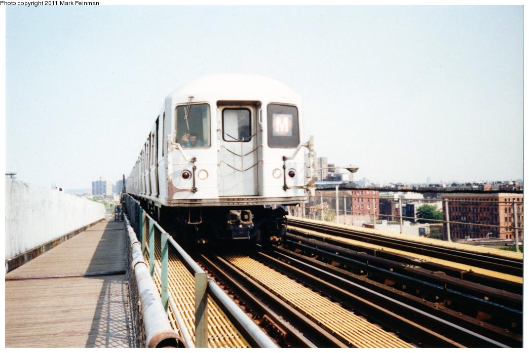 (310k, 1044x697)<br><b>Country:</b> United States<br><b>City:</b> New York<br><b>System:</b> New York City Transit<br><b>Line:</b> BMT Nassau Street/Jamaica Line<br><b>Location:</b> Williamsburg Bridge<br><b>Route:</b> M<br><b>Car:</b> R-40M (St. Louis, 1969)   <br><b>Photo by:</b> Mark S. Feinman<br><b>Date:</b> 7/1994<br><b>Viewed (this week/total):</b> 1 / 1116