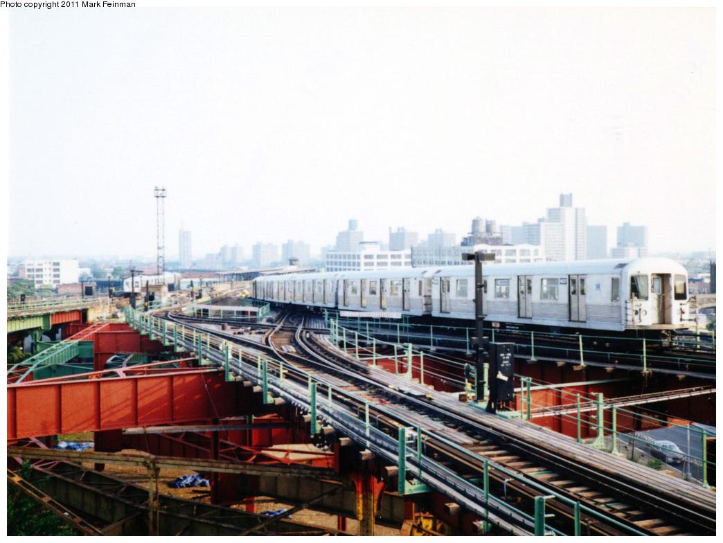 (340k, 1044x784)<br><b>Country:</b> United States<br><b>City:</b> New York<br><b>System:</b> New York City Transit<br><b>Line:</b> BMT Canarsie Line<br><b>Location:</b> Broadway Junction <br><b>Route:</b> L<br><b>Car:</b> R-42 (St. Louis, 1969-1970)  4637 <br><b>Photo by:</b> Mark S. Feinman<br><b>Date:</b> 7/1994<br><b>Viewed (this week/total):</b> 0 / 1205