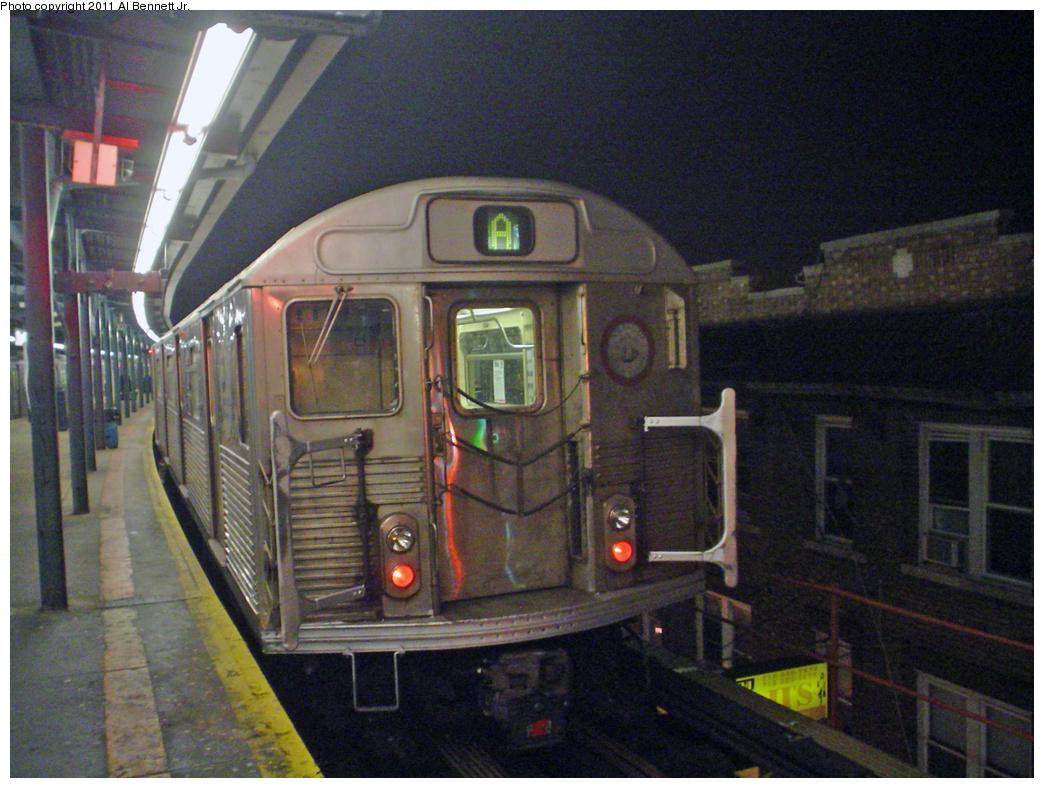 (487k, 1044x788)<br><b>Country:</b> United States<br><b>City:</b> New York<br><b>System:</b> New York City Transit<br><b>Line:</b> IND Fulton Street Line<br><b>Location:</b> Lefferts Boulevard <br><b>Route:</b> A<br><b>Car:</b> R-38 (St. Louis, 1966-1967)   <br><b>Photo by:</b> Al Bennett, Jr.<br><b>Date:</b> 2/1/2005<br><b>Viewed (this week/total):</b> 3 / 952