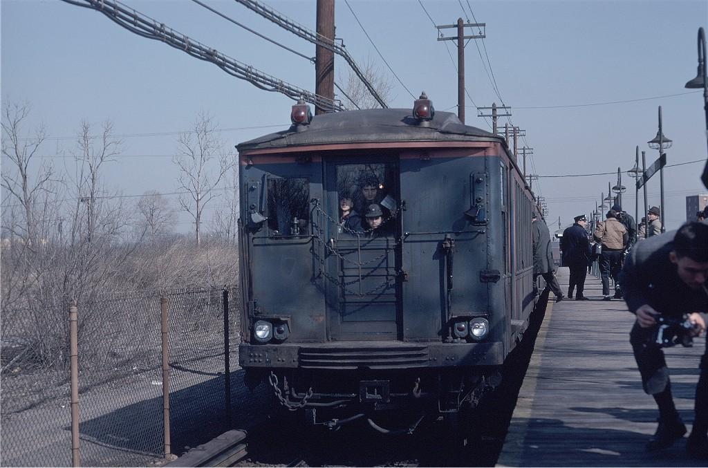 (207k, 1024x677)<br><b>Country:</b> United States<br><b>City:</b> New York<br><b>System:</b> New York City Transit<br><b>Line:</b> BMT Canarsie Line<br><b>Location:</b> East 105th Street <br><b>Route:</b> Fan Trip<br><b>Car:</b> BMT Q 1622 <br><b>Photo by:</b> Doug Grotjahn<br><b>Collection of:</b> Joe Testagrose<br><b>Date:</b> 2/22/1968<br><b>Viewed (this week/total):</b> 0 / 996
