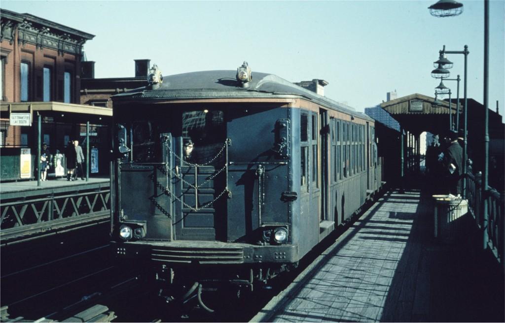 (156k, 1024x656)<br><b>Country:</b> United States<br><b>City:</b> New York<br><b>System:</b> New York City Transit<br><b>Line:</b> BMT Nassau Street/Jamaica Line<br><b>Location:</b> Marcy Avenue <br><b>Route:</b> Fan Trip<br><b>Car:</b> BMT Q 1622 <br><b>Collection of:</b> Joe Testagrose<br><b>Date:</b> 2/22/1968<br><b>Viewed (this week/total):</b> 0 / 912