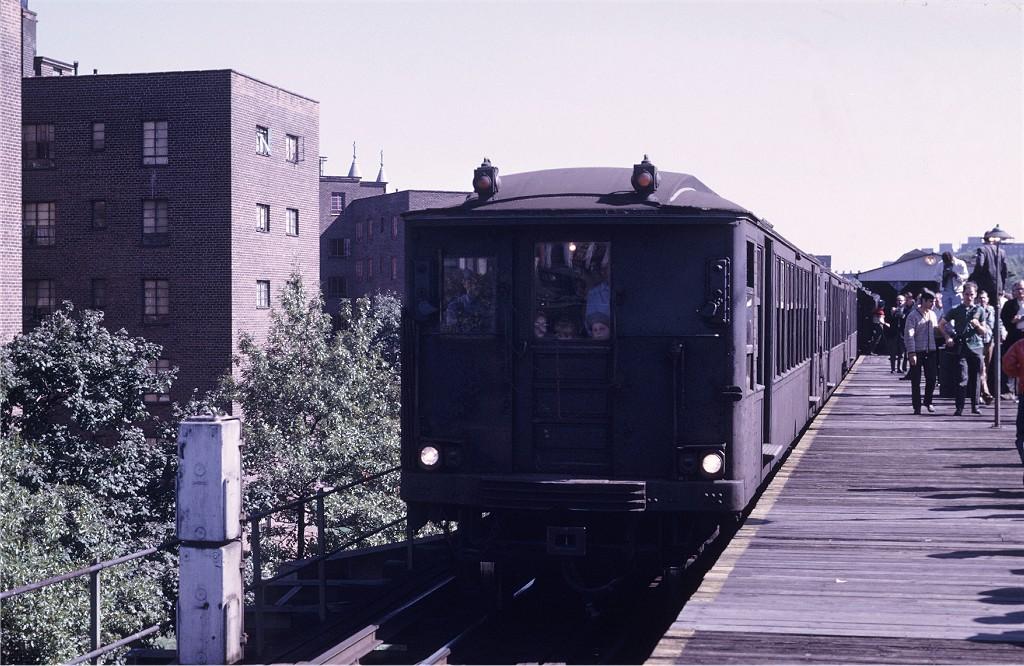 (210k, 1024x666)<br><b>Country:</b> United States<br><b>City:</b> New York<br><b>System:</b> New York City Transit<br><b>Line:</b> BMT Myrtle Avenue Line<br><b>Location:</b> Navy Street <br><b>Route:</b> Fan Trip<br><b>Car:</b> BMT Q 1629 <br><b>Photo by:</b> Joe Testagrose<br><b>Date:</b> 10/4/1969<br><b>Viewed (this week/total):</b> 2 / 1730