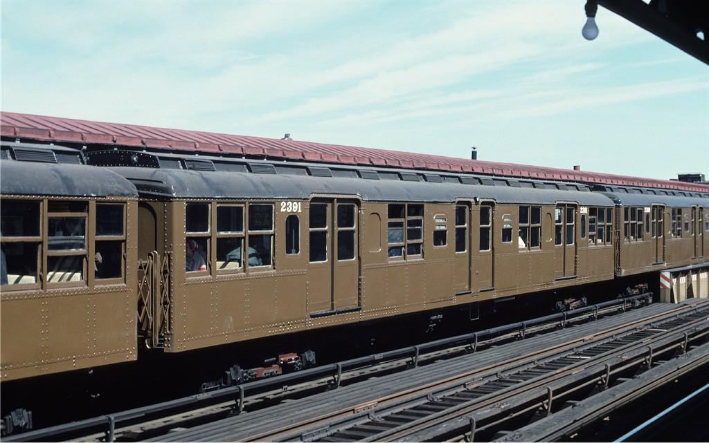 (170k, 1024x641)<br><b>Country:</b> United States<br><b>City:</b> New York<br><b>System:</b> New York City Transit<br><b>Line:</b> BMT Astoria Line<br><b>Location:</b> 39th/Beebe Aves. <br><b>Route:</b> Fan Trip<br><b>Car:</b> BMT A/B-Type Standard 2391 <br><b>Photo by:</b> Joe Testagrose<br><b>Date:</b> 4/16/1977<br><b>Viewed (this week/total):</b> 0 / 1054