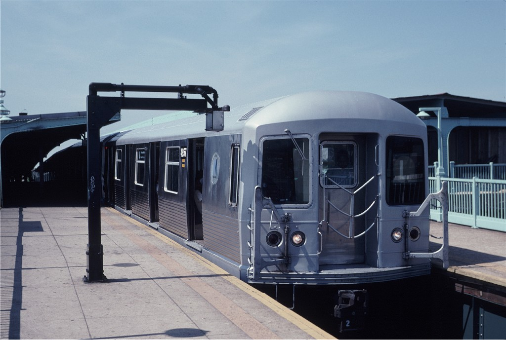 (148k, 1024x689)<br><b>Country:</b> United States<br><b>City:</b> New York<br><b>System:</b> New York City Transit<br><b>Line:</b> BMT Canarsie Line<br><b>Location:</b> Broadway Junction <br><b>Route:</b> L<br><b>Car:</b> R-42 (St. Louis, 1969-1970)  4857 <br><b>Photo by:</b> Eric Oszustowicz<br><b>Collection of:</b> Joe Testagrose<br><b>Date:</b> 6/1/1996<br><b>Viewed (this week/total):</b> 2 / 1178