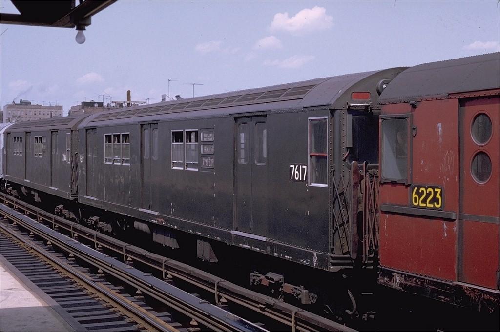 (181k, 1024x681)<br><b>Country:</b> United States<br><b>City:</b> New York<br><b>System:</b> New York City Transit<br><b>Line:</b> IRT White Plains Road Line<br><b>Location:</b> 225th Street <br><b>Car:</b> R-22 (St. Louis, 1957-58) 7617 <br><b>Photo by:</b> Joe Testagrose<br><b>Date:</b> 7/12/1970<br><b>Viewed (this week/total):</b> 0 / 1019