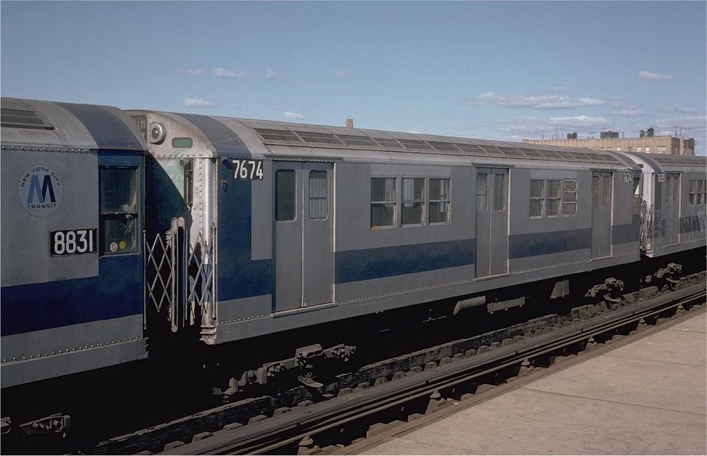 (158k, 1024x660)<br><b>Country:</b> United States<br><b>City:</b> New York<br><b>System:</b> New York City Transit<br><b>Line:</b> IRT White Plains Road Line<br><b>Location:</b> 225th Street <br><b>Car:</b> R-22 (St. Louis, 1957-58) 7674 <br><b>Photo by:</b> Steve Zabel<br><b>Collection of:</b> Joe Testagrose<br><b>Date:</b> 10/20/1974<br><b>Viewed (this week/total):</b> 0 / 929