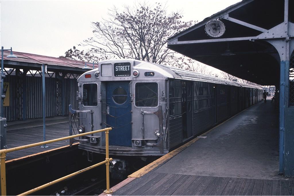 (209k, 1024x682)<br><b>Country:</b> United States<br><b>City:</b> New York<br><b>System:</b> New York City Transit<br><b>Line:</b> BMT Franklin<br><b>Location:</b> Franklin Avenue <br><b>Route:</b> Franklin Shuttle<br><b>Car:</b> R-11 (Budd, 1949) 8013 <br><b>Photo by:</b> Doug Grotjahn<br><b>Collection of:</b> Joe Testagrose<br><b>Date:</b> 11/8/1975<br><b>Viewed (this week/total):</b> 2 / 1564