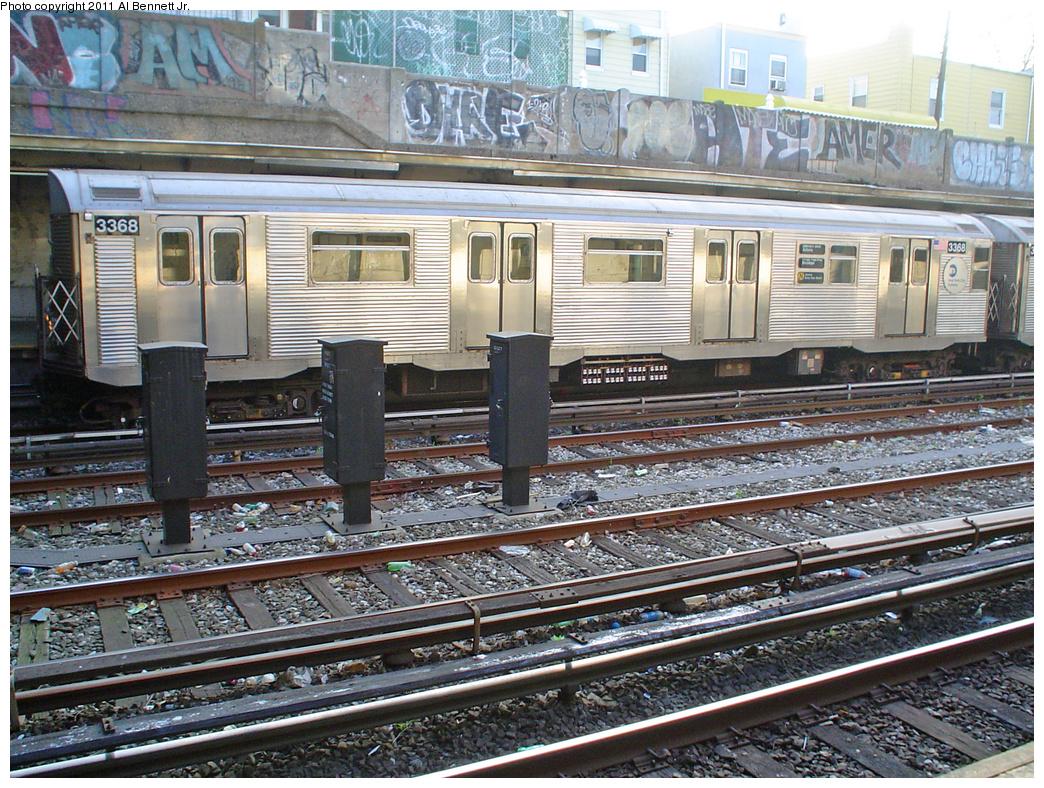 (589k, 1044x788)<br><b>Country:</b> United States<br><b>City:</b> New York<br><b>System:</b> New York City Transit<br><b>Line:</b> BMT Sea Beach Line<br><b>Location:</b> Avenue U <br><b>Route:</b> N<br><b>Car:</b> R-32 (Budd, 1964)  3368 <br><b>Photo by:</b> Al Bennett, Jr.<br><b>Date:</b> 5/16/2005<br><b>Viewed (this week/total):</b> 1 / 1937