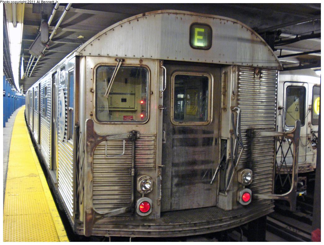 (563k, 1044x788)<br><b>Country:</b> United States<br><b>City:</b> New York<br><b>System:</b> New York City Transit<br><b>Line:</b> IND Queens Boulevard Line<br><b>Location:</b> Union Turnpike/Kew Gardens <br><b>Route:</b> E<br><b>Car:</b> R-32 (Budd, 1964)  3731 <br><b>Photo by:</b> Al Bennett, Jr.<br><b>Date:</b> 11/5/2008<br><b>Viewed (this week/total):</b> 1 / 857
