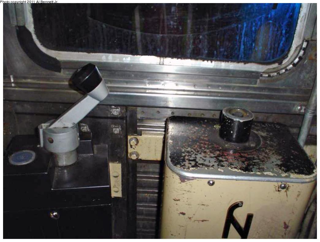 (255k, 1044x788)<br><b>Country:</b> United States<br><b>City:</b> New York<br><b>System:</b> New York City Transit<br><b>Car:</b> R-32 (Budd, 1964)  Interior <br><b>Photo by:</b> Al Bennett, Jr.<br><b>Notes:</b> Controller and brake.<br><b>Viewed (this week/total):</b> 4 / 1476