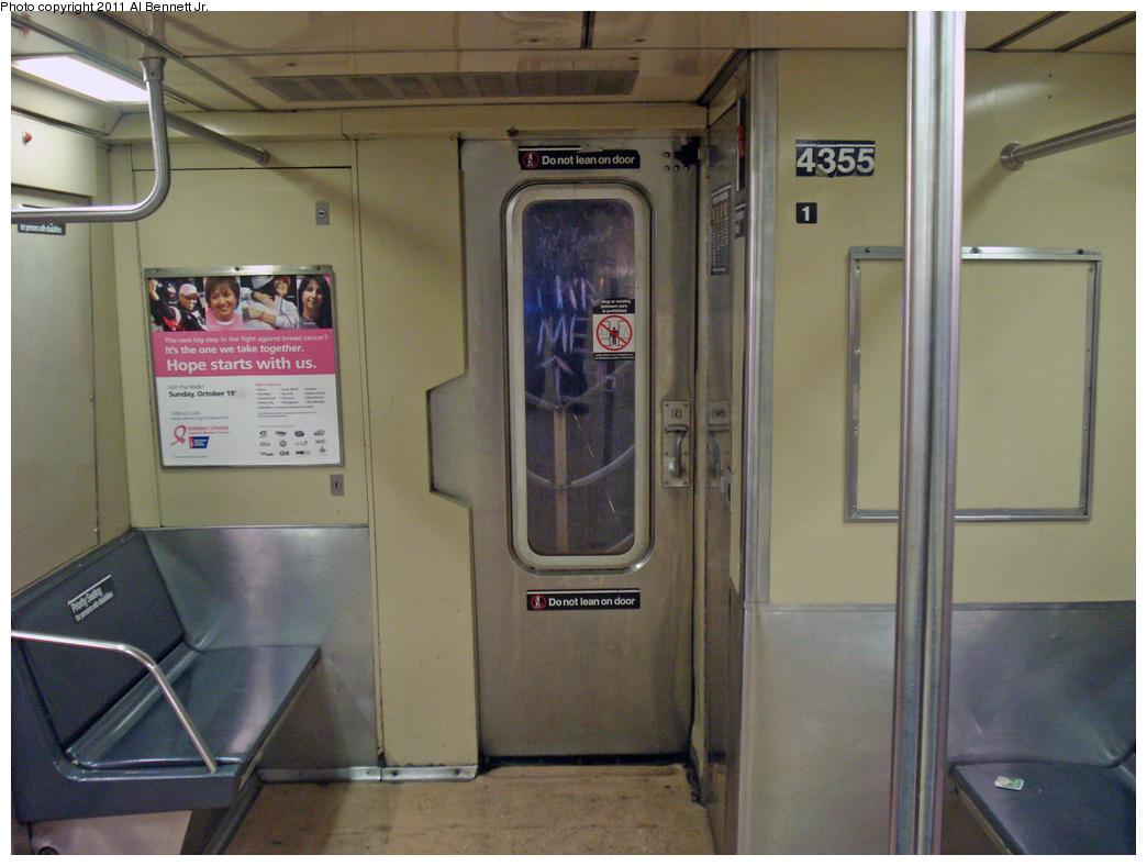 (432k, 1044x788)<br><b>Country:</b> United States<br><b>City:</b> New York<br><b>System:</b> New York City Transit<br><b>Car:</b> R-40 (St. Louis, 1968)  4355 <br><b>Photo by:</b> Al Bennett, Jr.<br><b>Date:</b> 10/28/2008<br><b>Viewed (this week/total):</b> 0 / 890