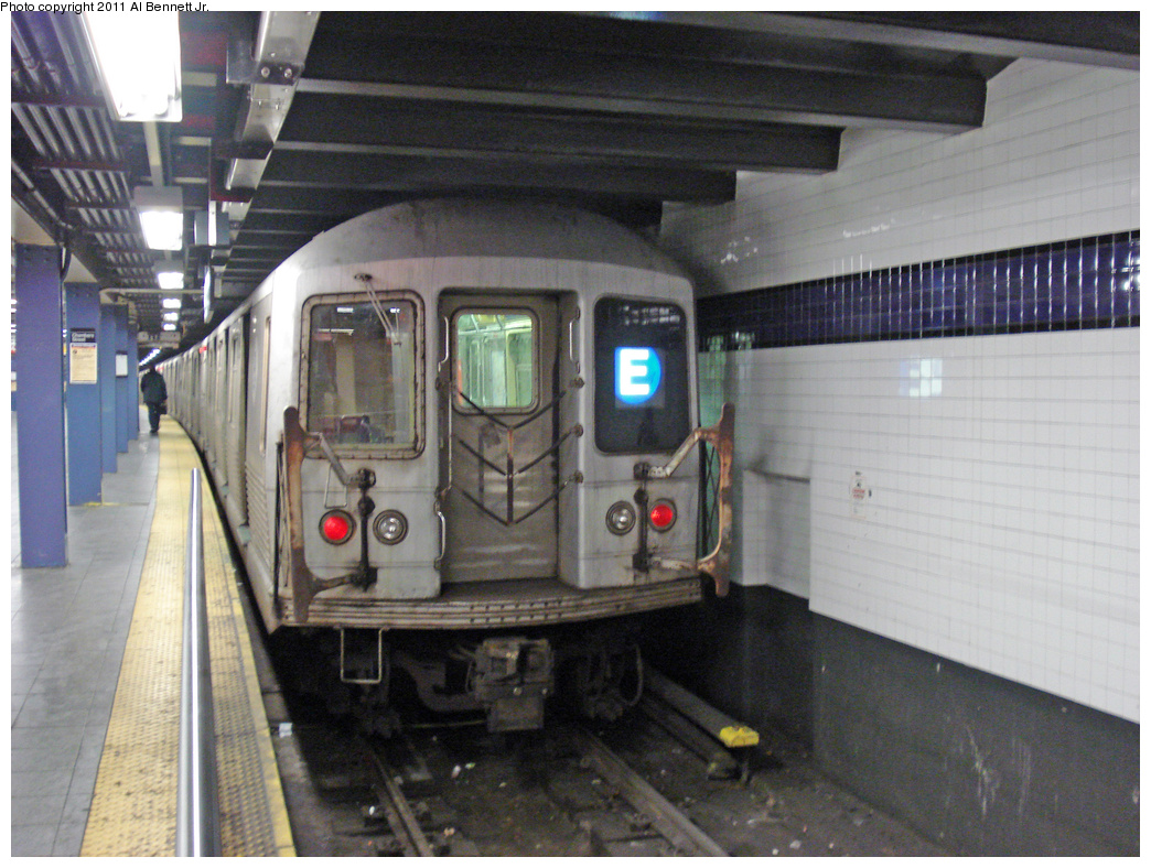 (465k, 1044x788)<br><b>Country:</b> United States<br><b>City:</b> New York<br><b>System:</b> New York City Transit<br><b>Line:</b> IND 8th Avenue Line<br><b>Location:</b> Chambers Street/World Trade Center <br><b>Route:</b> E<br><b>Car:</b> R-42 (St. Louis, 1969-1970)   <br><b>Photo by:</b> Al Bennett, Jr.<br><b>Date:</b> 1/19/2009<br><b>Viewed (this week/total):</b> 0 / 974