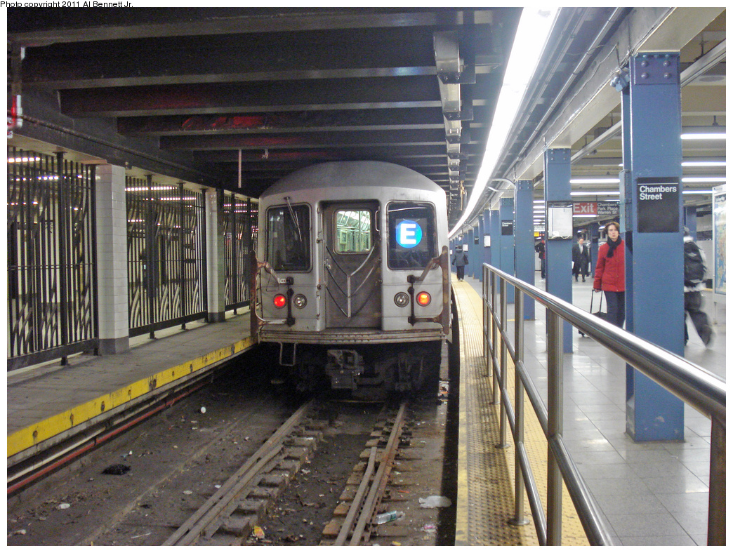 (543k, 1044x788)<br><b>Country:</b> United States<br><b>City:</b> New York<br><b>System:</b> New York City Transit<br><b>Line:</b> IND 8th Avenue Line<br><b>Location:</b> Chambers Street/World Trade Center <br><b>Route:</b> E<br><b>Car:</b> R-42 (St. Louis, 1969-1970)   <br><b>Photo by:</b> Al Bennett, Jr.<br><b>Date:</b> 10/30/2008<br><b>Viewed (this week/total):</b> 2 / 1316