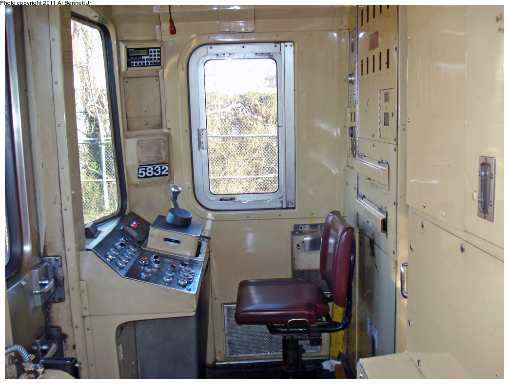 (402k, 1044x788)<br><b>Country:</b> United States<br><b>City:</b> New York<br><b>System:</b> New York City Transit<br><b>Car:</b> R-46 (Pullman-Standard, 1974-75) 5832 <br><b>Photo by:</b> Al Bennett, Jr.<br><b>Date:</b> 4/21/2011<br><b>Notes:</b> Cab view.<br><b>Viewed (this week/total):</b> 0 / 1212
