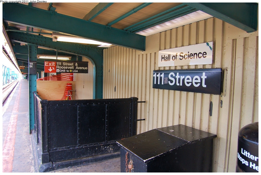 (328k, 1044x701)<br><b>Country:</b> United States<br><b>City:</b> New York<br><b>System:</b> New York City Transit<br><b>Line:</b> IRT Flushing Line<br><b>Location:</b> 111th Street <br><b>Photo by:</b> John Dooley<br><b>Date:</b> 6/27/2011<br><b>Notes:</b> Platform view.<br><b>Viewed (this week/total):</b> 0 / 996