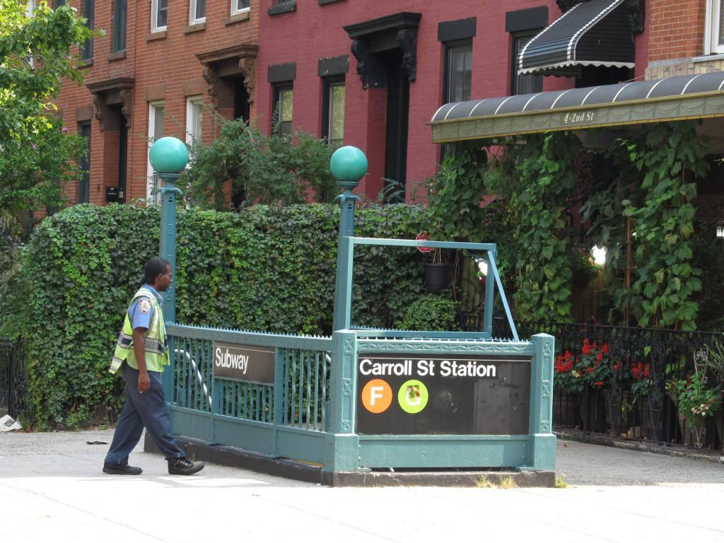 (153k, 1024x768)<br><b>Country:</b> United States<br><b>City:</b> New York<br><b>System:</b> New York City Transit<br><b>Line:</b> IND Crosstown Line<br><b>Location:</b> Carroll Street <br><b>Photo by:</b> Robbie Rosenfeld<br><b>Date:</b> 9/14/2011<br><b>Notes:</b> Station entrance.<br><b>Viewed (this week/total):</b> 0 / 1708