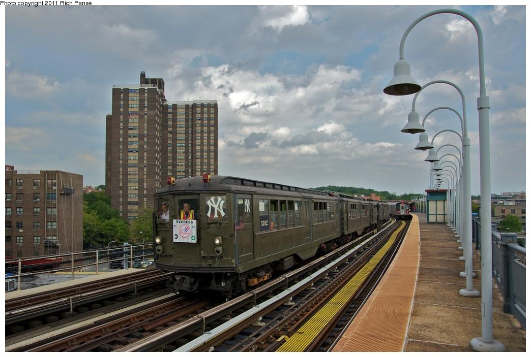 (258k, 1044x703)<br><b>Country:</b> United States<br><b>City:</b> New York<br><b>System:</b> New York City Transit<br><b>Line:</b> IRT White Plains Road Line<br><b>Location:</b> West Farms Sq./East Tremont Ave./177th St. <br><b>Route:</b> Fan Trip<br><b>Car:</b> Low-V (Museum Train) 5292 <br><b>Photo by:</b> Richard Panse<br><b>Date:</b> 10/1/2011<br><b>Notes:</b> Yankees Special<br><b>Viewed (this week/total):</b> 0 / 1170