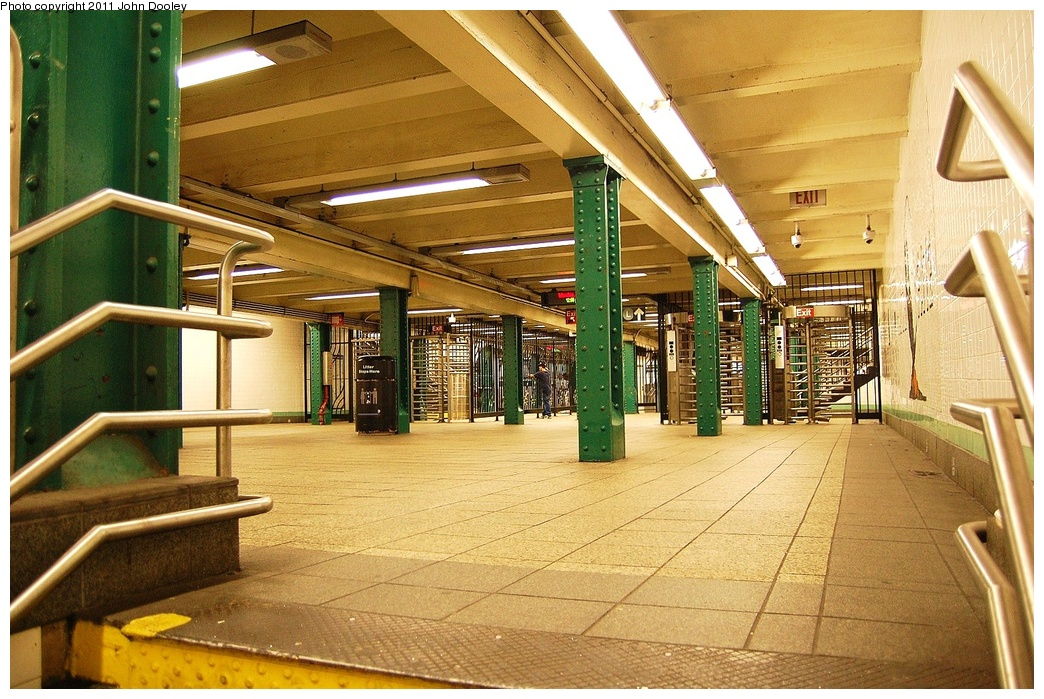 (393k, 1044x699)<br><b>Country:</b> United States<br><b>City:</b> New York<br><b>System:</b> New York City Transit<br><b>Line:</b> IND Crosstown Line<br><b>Location:</b> Metropolitan Avenue/Grand Street <br><b>Photo by:</b> John Dooley<br><b>Date:</b> 6/27/2011<br><b>Notes:</b> Mezzanine<br><b>Viewed (this week/total):</b> 0 / 1060