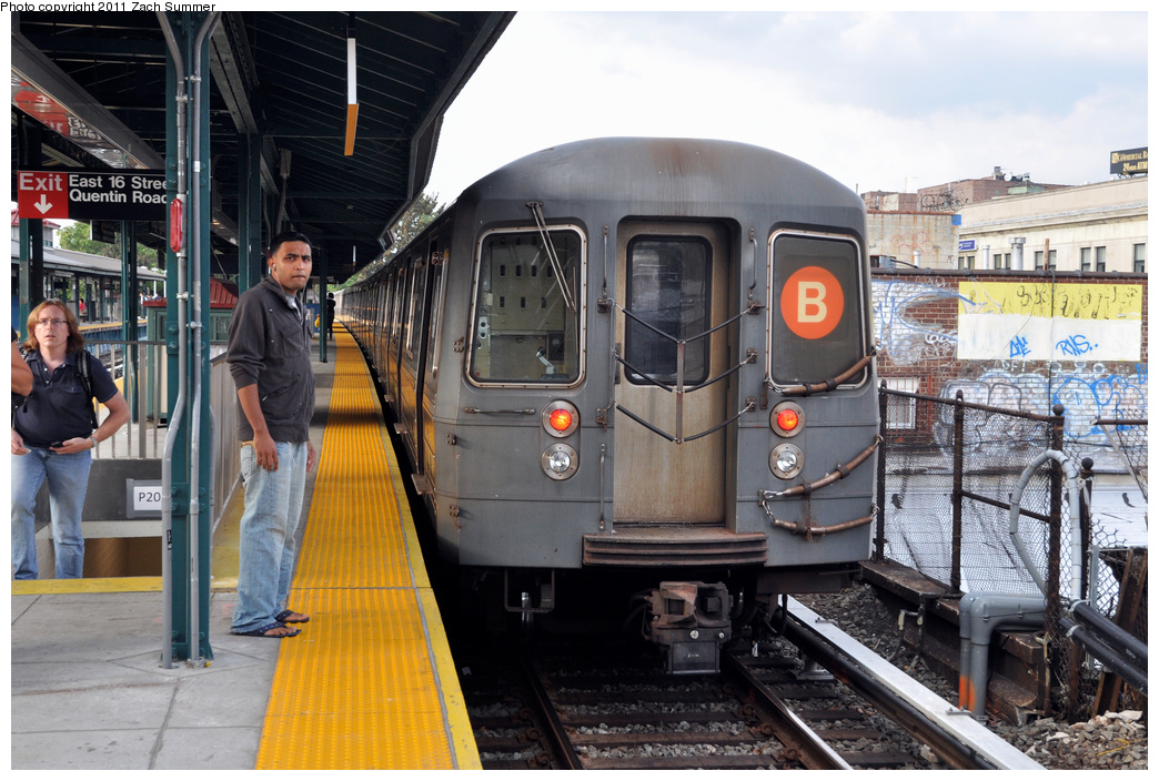 (389k, 1044x704)<br><b>Country:</b> United States<br><b>City:</b> New York<br><b>System:</b> New York City Transit<br><b>Line:</b> BMT Brighton Line<br><b>Location:</b> Kings Highway <br><b>Route:</b> B<br><b>Car:</b> R-68A (Kawasaki, 1988-1989)  5040 <br><b>Photo by:</b> Zach Summer<br><b>Date:</b> 9/30/2011<br><b>Notes:</b> Last Day of Brighton Local B Service<br><b>Viewed (this week/total):</b> 2 / 1165