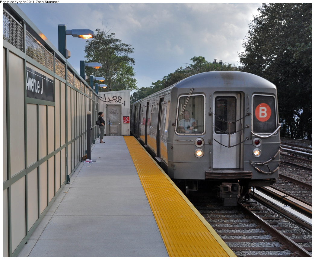 (433k, 1044x860)<br><b>Country:</b> United States<br><b>City:</b> New York<br><b>System:</b> New York City Transit<br><b>Line:</b> BMT Brighton Line<br><b>Location:</b> Avenue J <br><b>Route:</b> B<br><b>Car:</b> R-68A (Kawasaki, 1988-1989)  5198 <br><b>Photo by:</b> Zach Summer<br><b>Date:</b> 9/30/2011<br><b>Viewed (this week/total):</b> 0 / 1305