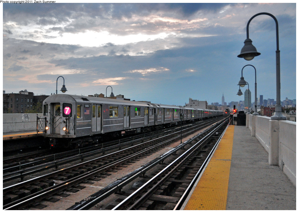 (369k, 1044x743)<br><b>Country:</b> United States<br><b>City:</b> New York<br><b>System:</b> New York City Transit<br><b>Line:</b> IRT Flushing Line<br><b>Location:</b> 46th Street/Bliss Street <br><b>Route:</b> 7<br><b>Car:</b> R-62A (Bombardier, 1984-1987)  1986 <br><b>Photo by:</b> Zach Summer<br><b>Date:</b> 9/30/2011<br><b>Viewed (this week/total):</b> 0 / 1161