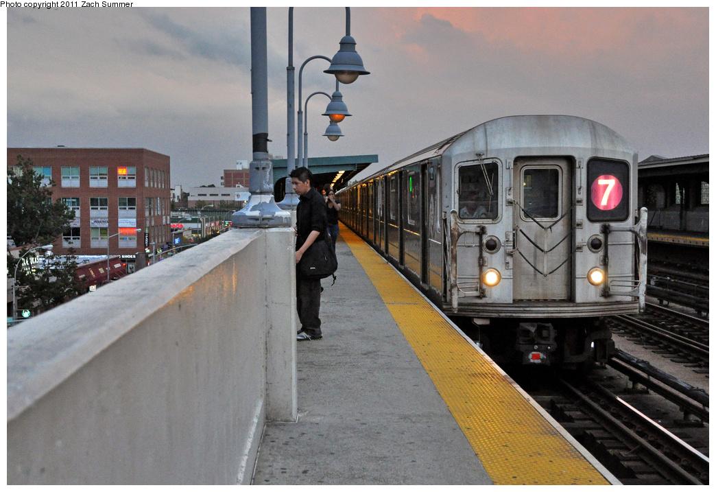 (367k, 1044x717)<br><b>Country:</b> United States<br><b>City:</b> New York<br><b>System:</b> New York City Transit<br><b>Line:</b> IRT Flushing Line<br><b>Location:</b> 46th Street/Bliss Street <br><b>Route:</b> 7<br><b>Car:</b> R-62A (Bombardier, 1984-1987)  1821 <br><b>Photo by:</b> Zach Summer<br><b>Date:</b> 9/30/2011<br><b>Viewed (this week/total):</b> 0 / 1026