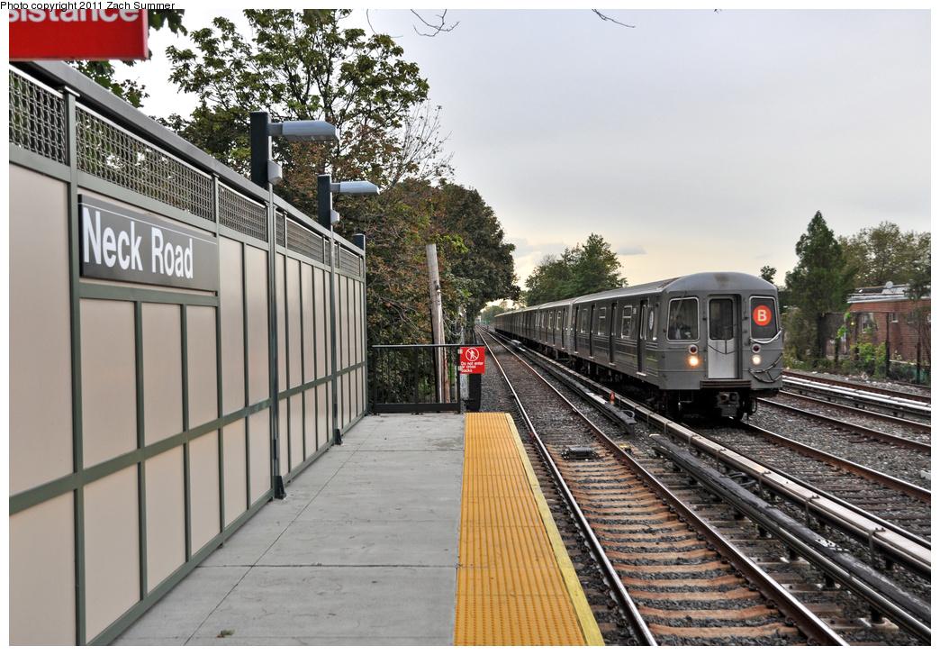 (402k, 1044x727)<br><b>Country:</b> United States<br><b>City:</b> New York<br><b>System:</b> New York City Transit<br><b>Line:</b> BMT Brighton Line<br><b>Location:</b> Avenue U <br><b>Route:</b> B<br><b>Car:</b> R-68A (Kawasaki, 1988-1989)  5198 <br><b>Photo by:</b> Zach Summer<br><b>Date:</b> 10/3/2011<br><b>Notes:</b> Brighton Express Service Resumption/First Day of Brighton Express B Service since September 2009.<br><b>Viewed (this week/total):</b> 2 / 1169