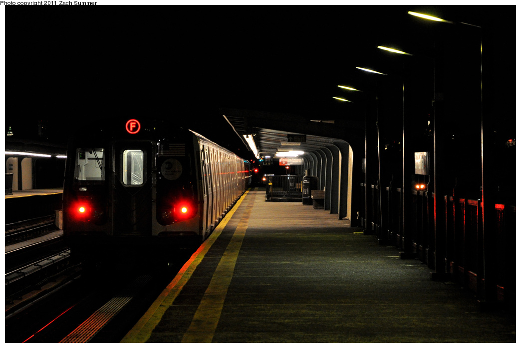 (223k, 1044x698)<br><b>Country:</b> United States<br><b>City:</b> New York<br><b>System:</b> New York City Transit<br><b>Line:</b> BMT Culver Line<br><b>Location:</b> Bay Parkway (22nd Avenue) <br><b>Route:</b> F<br><b>Car:</b> R-160B (Option 1) (Kawasaki, 2008-2009)  9228 <br><b>Photo by:</b> Zach Summer<br><b>Date:</b> 10/4/2011<br><b>Viewed (this week/total):</b> 1 / 1000
