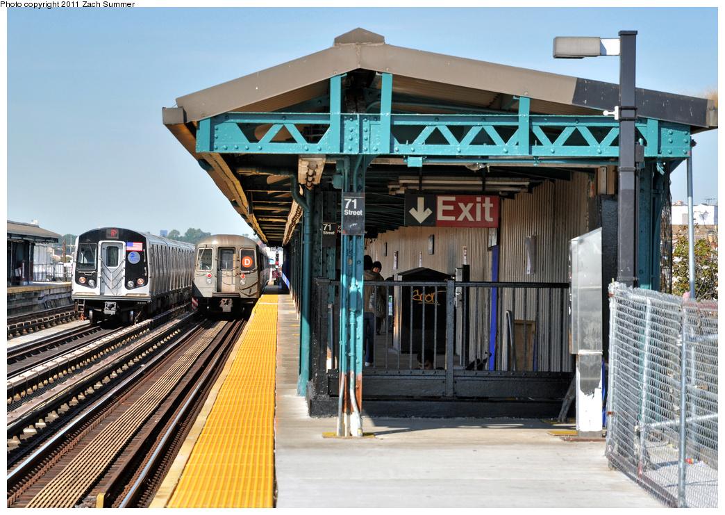 (438k, 1044x741)<br><b>Country:</b> United States<br><b>City:</b> New York<br><b>System:</b> New York City Transit<br><b>Line:</b> BMT West End Line<br><b>Location:</b> 71st Street <br><b>Route:</b> D<br><b>Car:</b> R-68 (Westinghouse-Amrail, 1986-1988)   <br><b>Photo by:</b> Zach Summer<br><b>Date:</b> 10/7/2011<br><b>Notes:</b> With R160B on N Reroute<br><b>Viewed (this week/total):</b> 0 / 1126