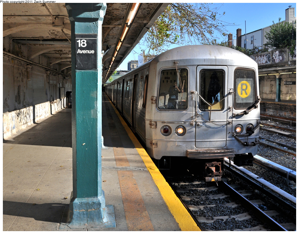 (518k, 1044x817)<br><b>Country:</b> United States<br><b>City:</b> New York<br><b>System:</b> New York City Transit<br><b>Line:</b> BMT Sea Beach Line<br><b>Location:</b> 18th Avenue <br><b>Route:</b> R Put-In<br><b>Car:</b> R-46 (Pullman-Standard, 1974-75) 5524 <br><b>Photo by:</b> Zach Summer<br><b>Date:</b> 10/7/2011<br><b>Viewed (this week/total):</b> 0 / 1381