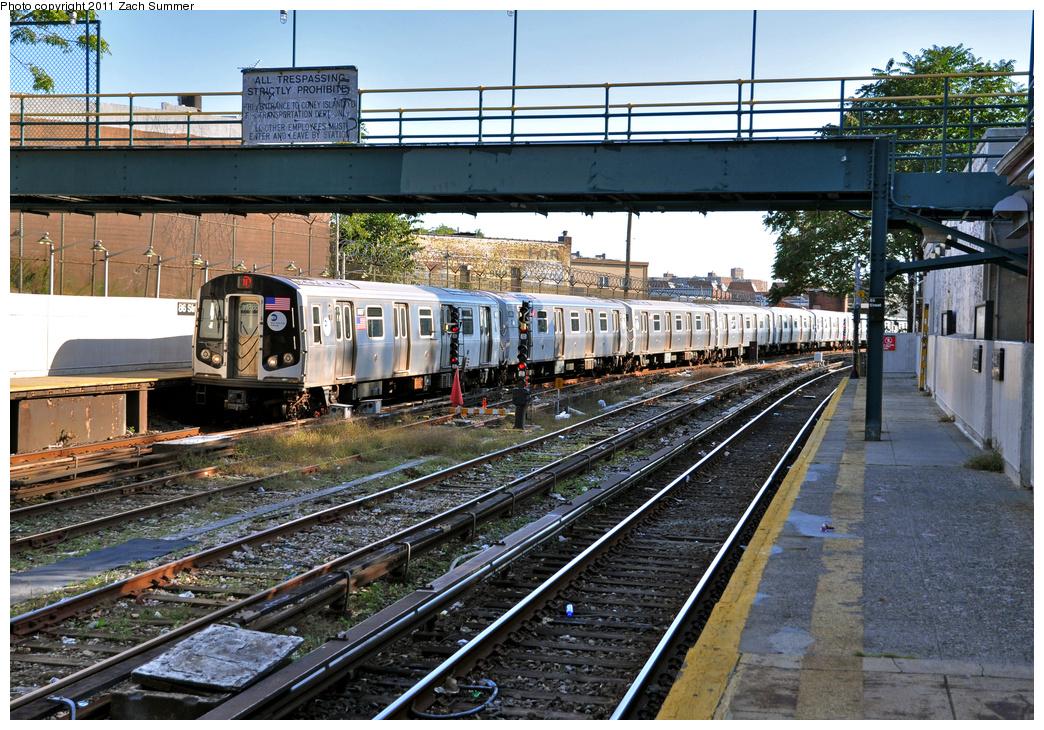 (508k, 1044x730)<br><b>Country:</b> United States<br><b>City:</b> New York<br><b>System:</b> New York City Transit<br><b>Line:</b> BMT Sea Beach Line<br><b>Location:</b> 86th Street <br><b>Route:</b> N<br><b>Car:</b> R-160A-2 (Alstom, 2005-2008, 5 car sets)  8697 <br><b>Photo by:</b> Zach Summer<br><b>Date:</b> 10/7/2011<br><b>Viewed (this week/total):</b> 0 / 1081