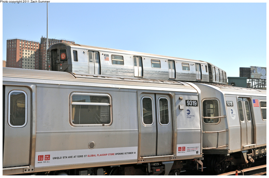 (306k, 1044x691)<br><b>Country:</b> United States<br><b>City:</b> New York<br><b>System:</b> New York City Transit<br><b>Location:</b> Coney Island/Stillwell Avenue<br><b>Route:</b> D<br><b>Car:</b> R-68 (Westinghouse-Amrail, 1986-1988)  2652 <br><b>Photo by:</b> Zach Summer<br><b>Date:</b> 10/9/2011<br><b>Notes:</b> Running Light via the Brighton Line<br><b>Viewed (this week/total):</b> 5 / 1873