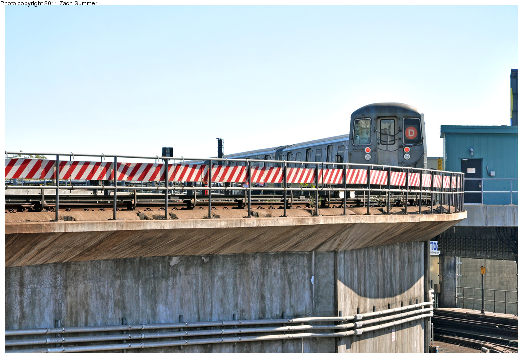 (358k, 1044x715)<br><b>Country:</b> United States<br><b>City:</b> New York<br><b>System:</b> New York City Transit<br><b>Location:</b> Coney Island/Stillwell Avenue<br><b>Route:</b> D<br><b>Car:</b> R-68 (Westinghouse-Amrail, 1986-1988)  2652 <br><b>Photo by:</b> Zach Summer<br><b>Date:</b> 10/9/2011<br><b>Notes:</b> Running Light via the Brighton Line<br><b>Viewed (this week/total):</b> 1 / 1437