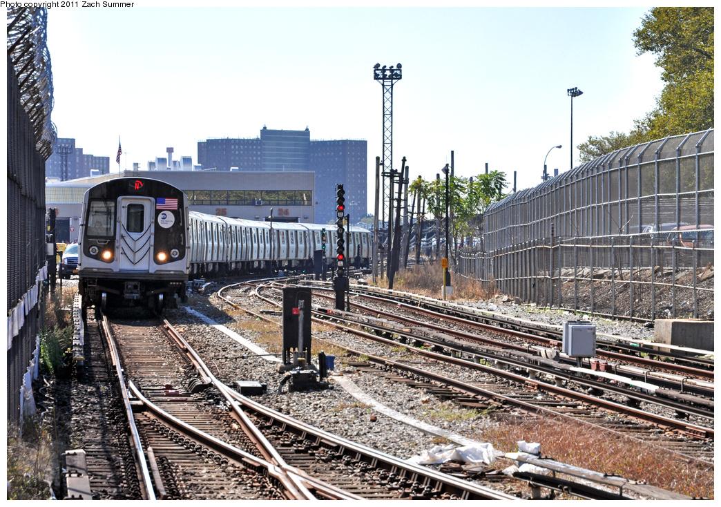 (497k, 1044x734)<br><b>Country:</b> United States<br><b>City:</b> New York<br><b>System:</b> New York City Transit<br><b>Line:</b> BMT Sea Beach Line<br><b>Location:</b> 86th Street <br><b>Route:</b> N<br><b>Car:</b> R-160B (Option 1) (Kawasaki, 2008-2009)  9048 <br><b>Photo by:</b> Zach Summer<br><b>Date:</b> 10/9/2011<br><b>Viewed (this week/total):</b> 3 / 1126