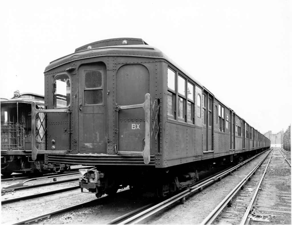 (232k, 1024x788)<br><b>Country:</b> United States<br><b>City:</b> New York<br><b>System:</b> New York City Transit<br><b>Location:</b> East New York Yard/Shops<br><b>Car:</b> BMT A/B-Type Standard 2473-4036-2472 <br><b>Photo by:</b> Ed Watson/Arthur Lonto Collection<br><b>Collection of:</b> Frank Pfuhler<br><b>Date:</b> 1965<br><b>Viewed (this week/total):</b> 0 / 809