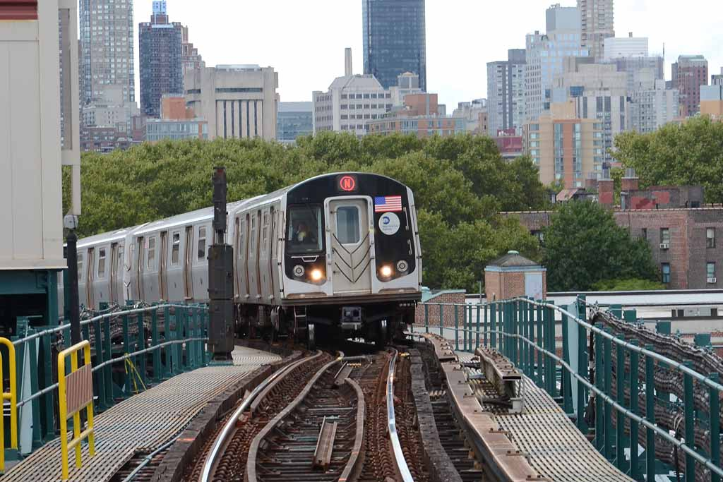 (126k, 1024x683)<br><b>Country:</b> United States<br><b>City:</b> New York<br><b>System:</b> New York City Transit<br><b>Line:</b> BMT Astoria Line<br><b>Location:</b> Queensborough Plaza <br><b>Route:</b> N<br><b>Car:</b> R-160A/R-160B Series (Number Unknown)  <br><b>Photo by:</b> Richard Chase<br><b>Date:</b> 10/2/2011<br><b>Viewed (this week/total):</b> 0 / 1263