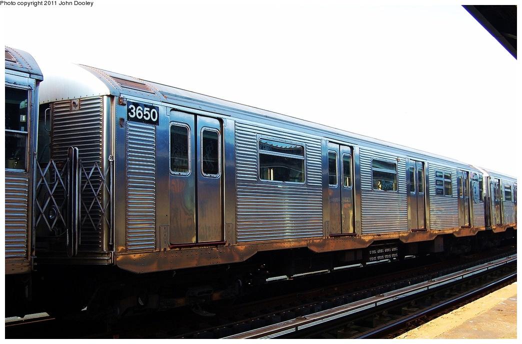 (287k, 1044x688)<br><b>Country:</b> United States<br><b>City:</b> New York<br><b>System:</b> New York City Transit<br><b>Line:</b> IND Fulton Street Line<br><b>Location:</b> 104th Street/Oxford Ave. <br><b>Route:</b> Layup<br><b>Car:</b> R-32 (Budd, 1964)  3650 <br><b>Photo by:</b> John Dooley<br><b>Date:</b> 8/20/2011<br><b>Viewed (this week/total):</b> 0 / 782