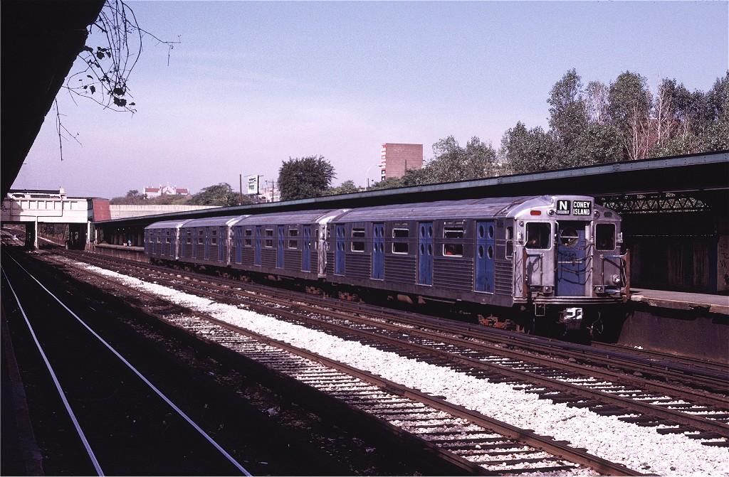 (242k, 1024x671)<br><b>Country:</b> United States<br><b>City:</b> New York<br><b>System:</b> New York City Transit<br><b>Line:</b> BMT Sea Beach Line<br><b>Location:</b> Fort Hamilton Parkway <br><b>Route:</b> Fan Trip<br><b>Car:</b> R-11 (Budd, 1949) 8016 <br><b>Collection of:</b> Joe Testagrose<br><b>Date:</b> 10/21/1972<br><b>Viewed (this week/total):</b> 0 / 1204