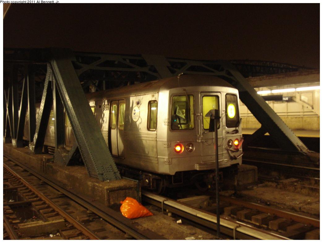 (297k, 1044x788)<br><b>Country:</b> United States<br><b>City:</b> New York<br><b>System:</b> New York City Transit<br><b>Line:</b> IND Crosstown Line<br><b>Location:</b> 4th Avenue <br><b>Route:</b> G<br><b>Car:</b> R-46 (Pullman-Standard, 1974-75) 5702 <br><b>Photo by:</b> Al Bennett, Jr.<br><b>Date:</b> 11/7/2008<br><b>Viewed (this week/total):</b> 0 / 1057