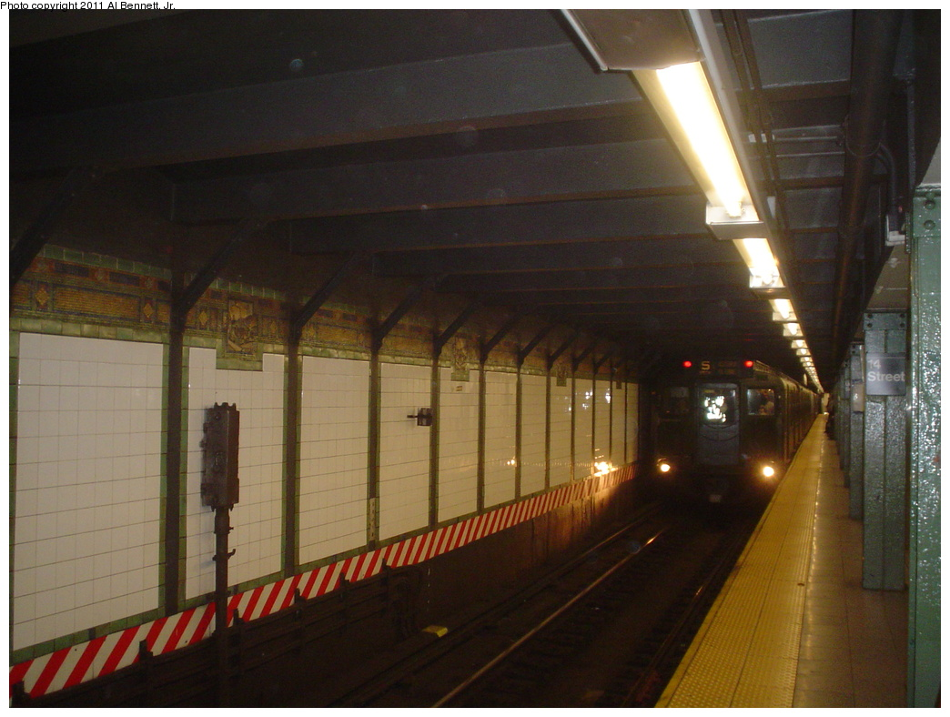 (298k, 1044x788)<br><b>Country:</b> United States<br><b>City:</b> New York<br><b>System:</b> New York City Transit<br><b>Line:</b> BMT Broadway Line<br><b>Location:</b> 14th Street/Union Square <br><b>Route:</b> Fan Trip<br><b>Car:</b> R-9 (Pressed Steel, 1940)  1802 <br><b>Photo by:</b> Al Bennett, Jr.<br><b>Date:</b> 10/29/2004<br><b>Viewed (this week/total):</b> 0 / 863