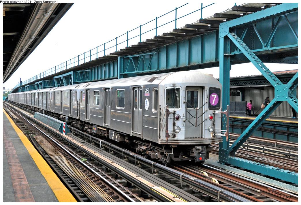 (470k, 1044x711)<br><b>Country:</b> United States<br><b>City:</b> New York<br><b>System:</b> New York City Transit<br><b>Line:</b> IRT Flushing Line<br><b>Location:</b> 111th Street <br><b>Route:</b> 7 Layup<br><b>Car:</b> R-62A (Bombardier, 1984-1987)  2132 <br><b>Photo by:</b> Zach Summer<br><b>Date:</b> 10/12/2011<br><b>Viewed (this week/total):</b> 0 / 1032