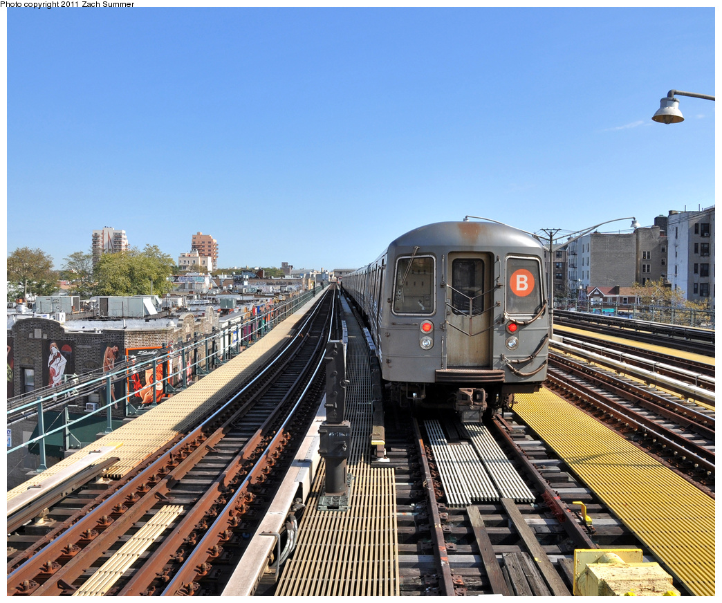 (509k, 1044x872)<br><b>Country:</b> United States<br><b>City:</b> New York<br><b>System:</b> New York City Transit<br><b>Line:</b> BMT Brighton Line<br><b>Location:</b> Ocean Parkway <br><b>Route:</b> B Layup<br><b>Car:</b> R-68A (Kawasaki, 1988-1989)  5098 <br><b>Photo by:</b> Zach Summer<br><b>Date:</b> 10/18/2011<br><b>Viewed (this week/total):</b> 1 / 1006