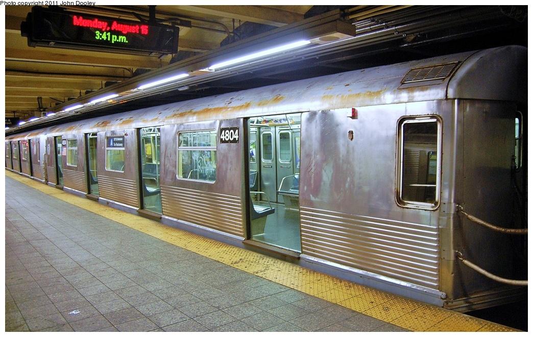 (364k, 1044x661)<br><b>Country:</b> United States<br><b>City:</b> New York<br><b>System:</b> New York City Transit<br><b>Line:</b> IND 8th Avenue Line<br><b>Location:</b> 207th Street <br><b>Route:</b> A<br><b>Car:</b> R-42 (St. Louis, 1969-1970)  4804 <br><b>Photo by:</b> John Dooley<br><b>Date:</b> 8/15/2011<br><b>Viewed (this week/total):</b> 1 / 731