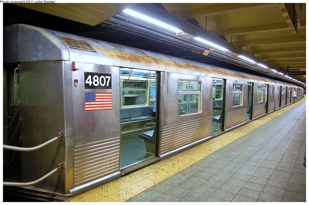 (391k, 1044x692)<br><b>Country:</b> United States<br><b>City:</b> New York<br><b>System:</b> New York City Transit<br><b>Line:</b> IND 8th Avenue Line<br><b>Location:</b> 207th Street <br><b>Route:</b> A<br><b>Car:</b> R-42 (St. Louis, 1969-1970)  4807 <br><b>Photo by:</b> John Dooley<br><b>Date:</b> 8/15/2011<br><b>Viewed (this week/total):</b> 0 / 668